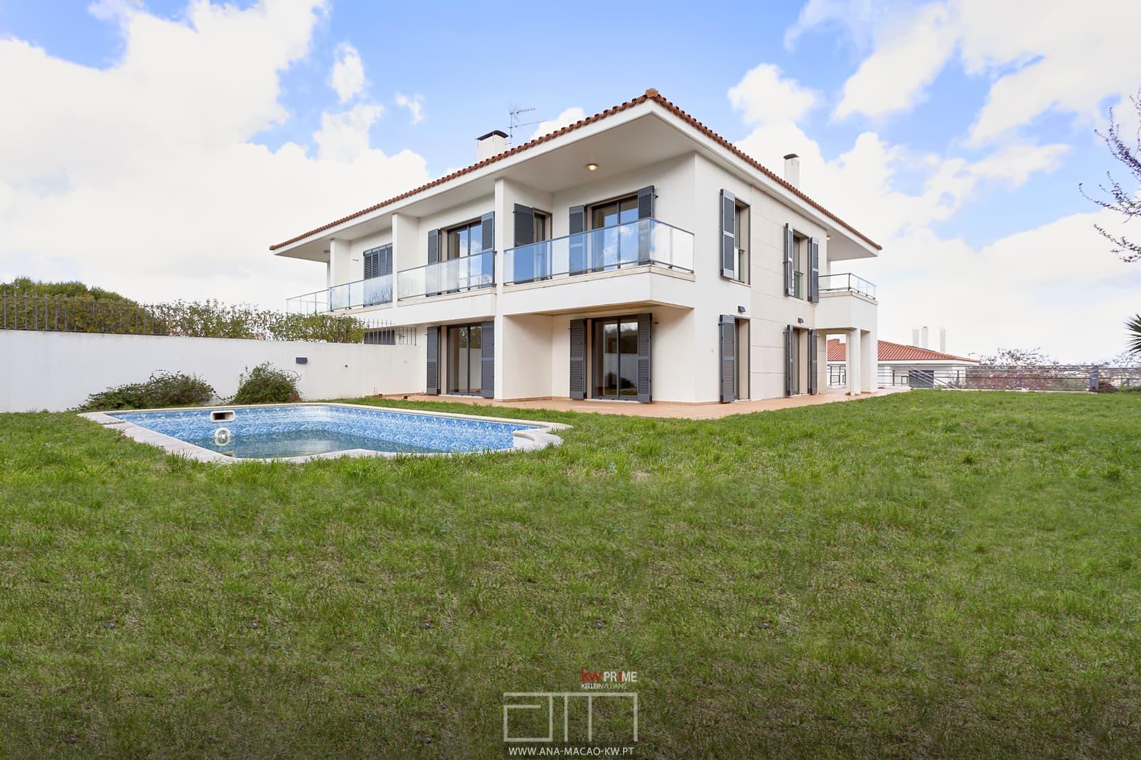 Oeiras golf residence moradia geminada t5 kw ana ma o for Simultaneo contemporaneo