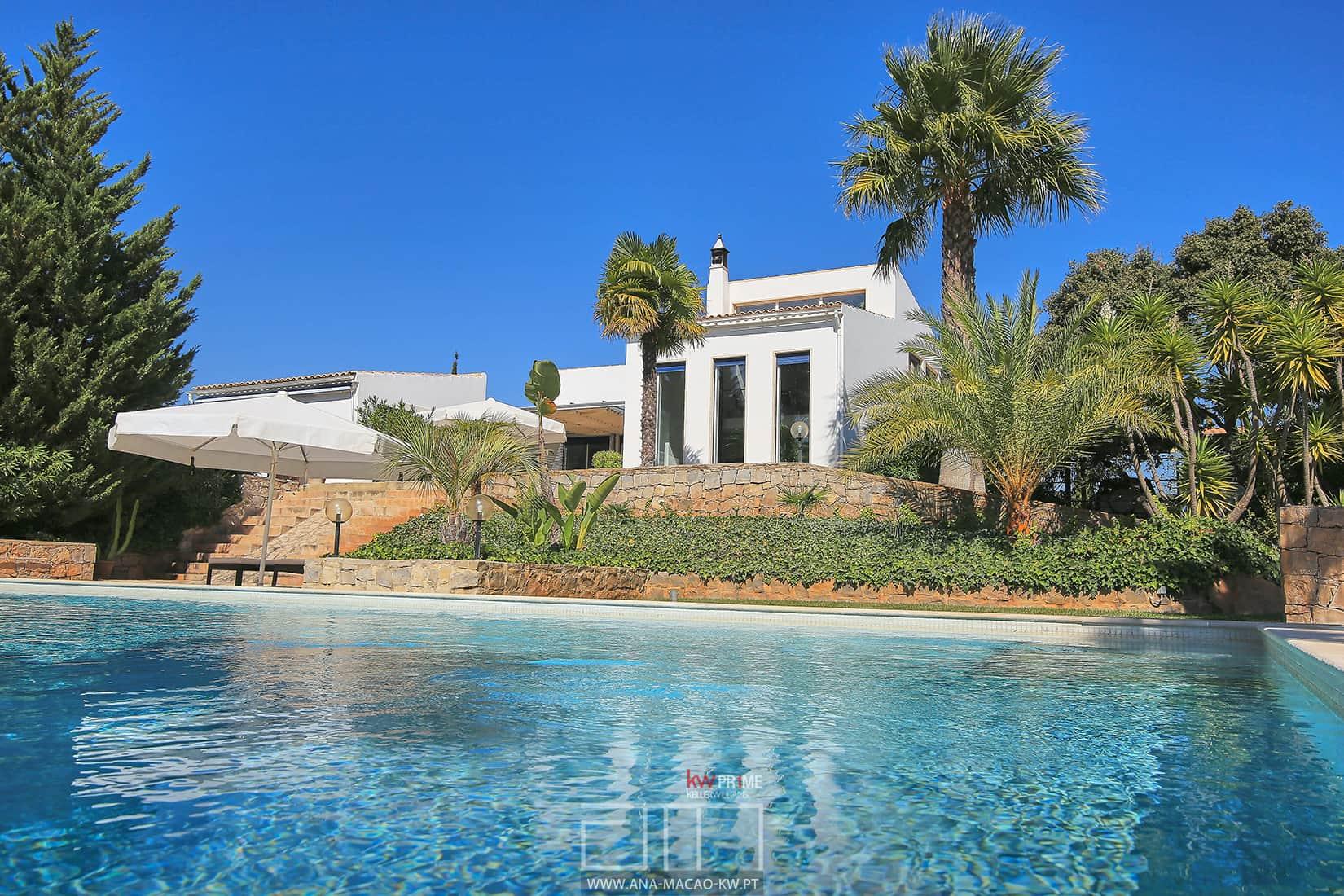 Algarve moncarapacho moradia t1 2 kw ana ma o for Casa moderna kw