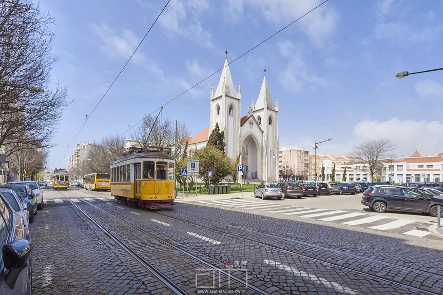 Lisboa, Campo de Ourique, Renovated 2 Bed Apartment