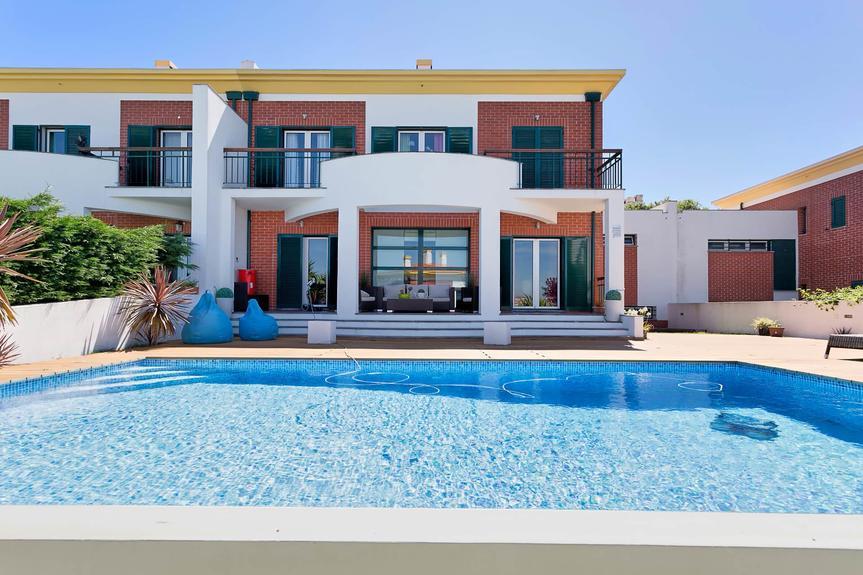 Villa spectaculaire avec jardin et piscine près de Oeiras Golf & Residence