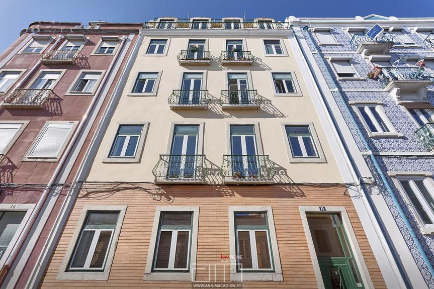 "Lisbon, ""Bairro da Graça"", 2 bedroom apartment with river viewrio"