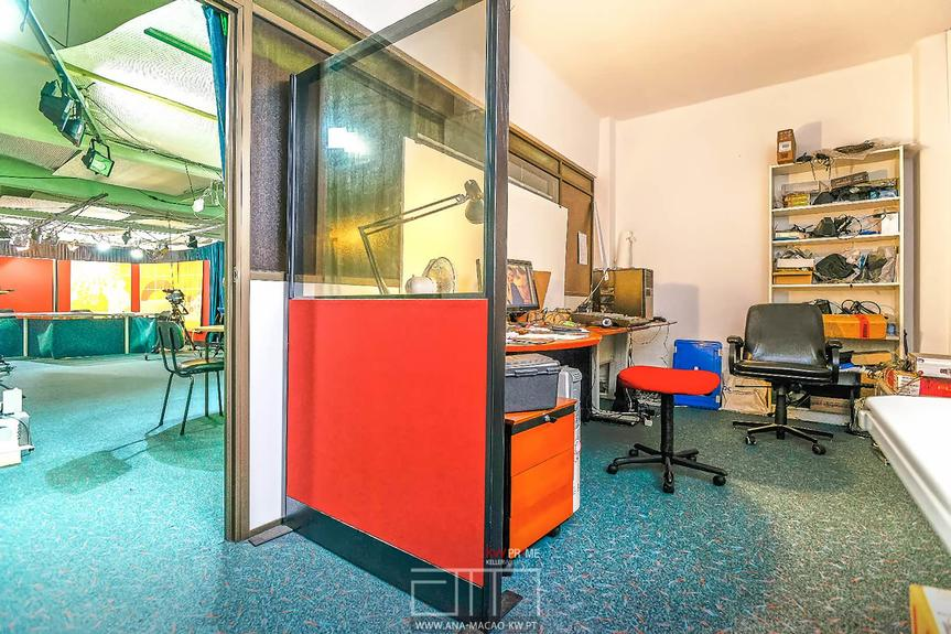 Lisbon - Commercial Space / TVL Facilities - For sale