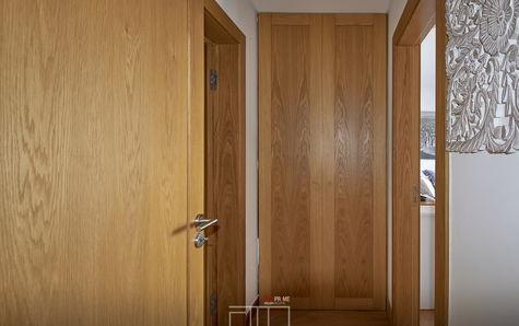Armário no corredor