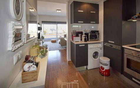 Cozinha com acesso aberto à sala