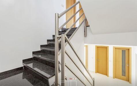 Escadaria de acesso aos pisos superiores