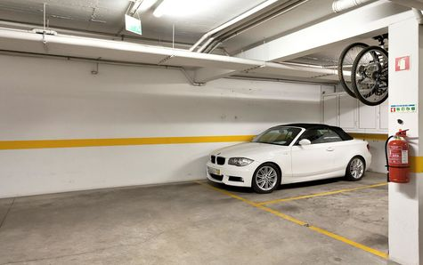Garage avec 1 place de parking