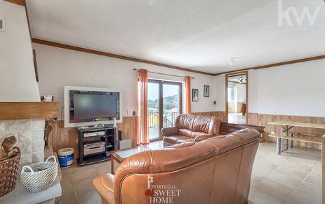 Sala de estar com lareira