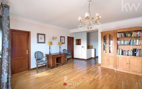 Living room (top floor of duplex, 23m2)