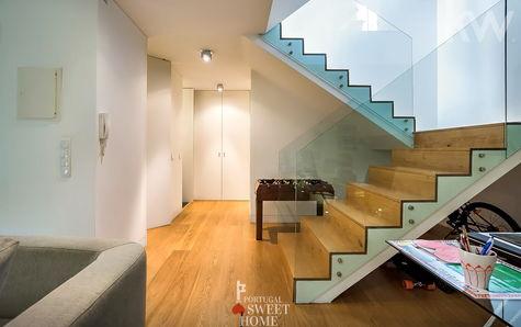 Hall et accès au 2ème étage