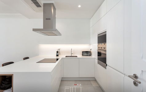 Fully equipped kitchen with SMEG appliances