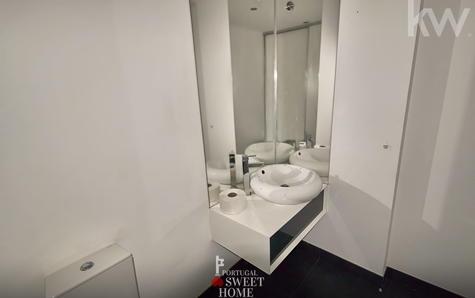 Toilette récemment rénovée