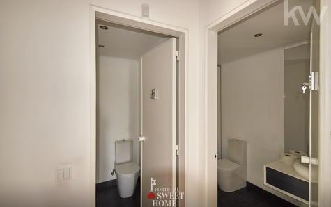 Deux toilettes