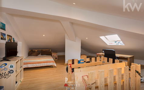 Sótão amplo (mais de 40 m2)