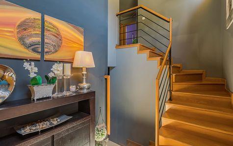 Escalier menant au salon
