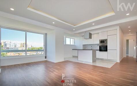 Salon (22m2+12m2) dans un espace ouvert, avec cuisine