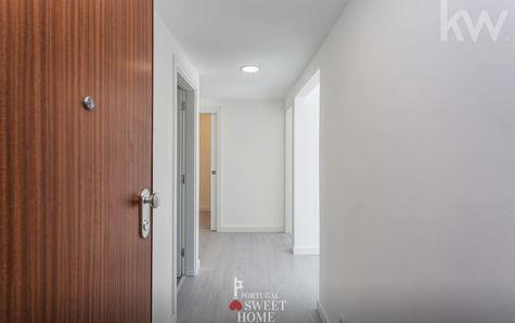 Porte d'entrée et couloir