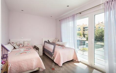 Deuxième Suite avec 13 m² plus placard et salle de bain partagée avec