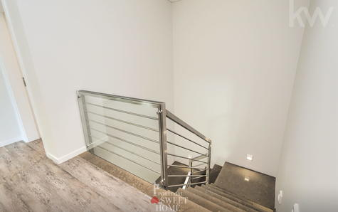 Escalier menant au deuxième étage