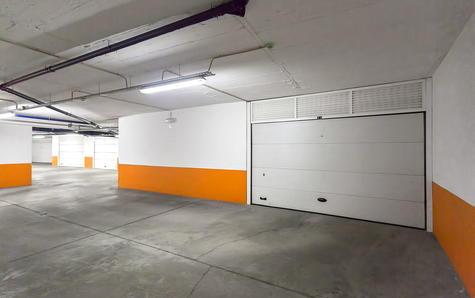 Garagem para 2 carros com arrecadação