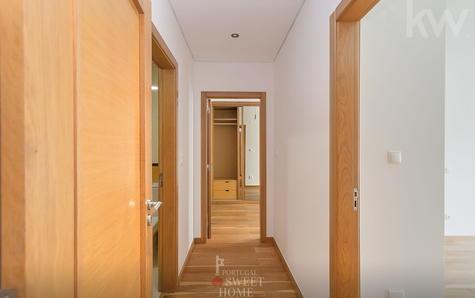 Corredor e acesso à zona dos quartos